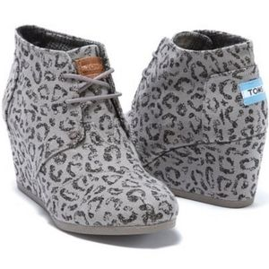 TOMS Gray and Black Leopard Wedge Booties Size:10
